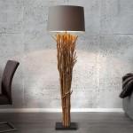lampadaire en bois flotté
