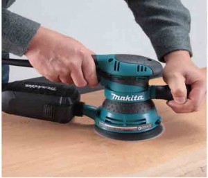 Test ponceuse orbitale excentrique Makita BO5041J