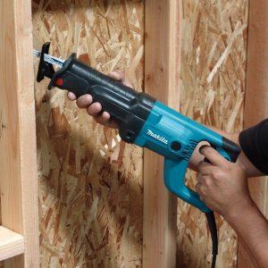 Test démontage bois menuiserie scie sabre Makita JR3050T Récipro