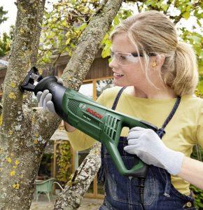 Scie sabre élagage arbres bois Bosch PSA 700 E Easy