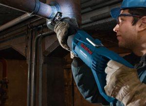 Scie sabre chantier canalisation avec éclairage Bosch GSA 1100 E