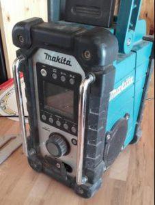 usage radio Makita pas chère DMR102