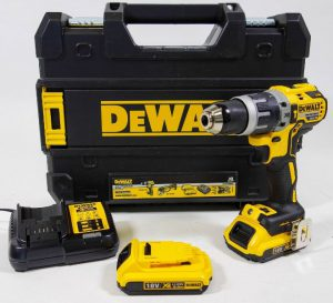 perceuse visseuse à percussion DeWalt DCD796D2-QW