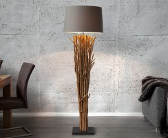 DIY : Fabriquer un lampadaire en bois flotté