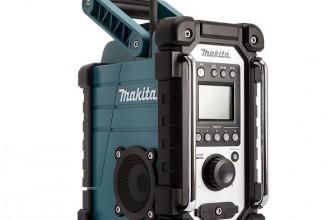 Bien travailler en musique avec la radio de chantier Makita DMR107